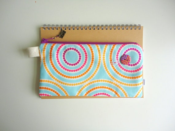 Circles Pencil Case with Camera Zipper Pull
