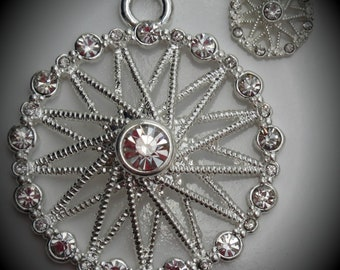 Silver Plated Round Pendant Crystals With Charms
