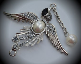 Silver Plated Bird Pendant With Pearl Crystal And Glitter