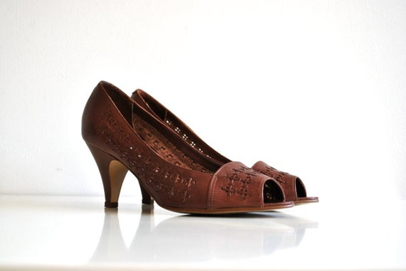 Vintage Brown Leather Peep Toe Heels - Size 7