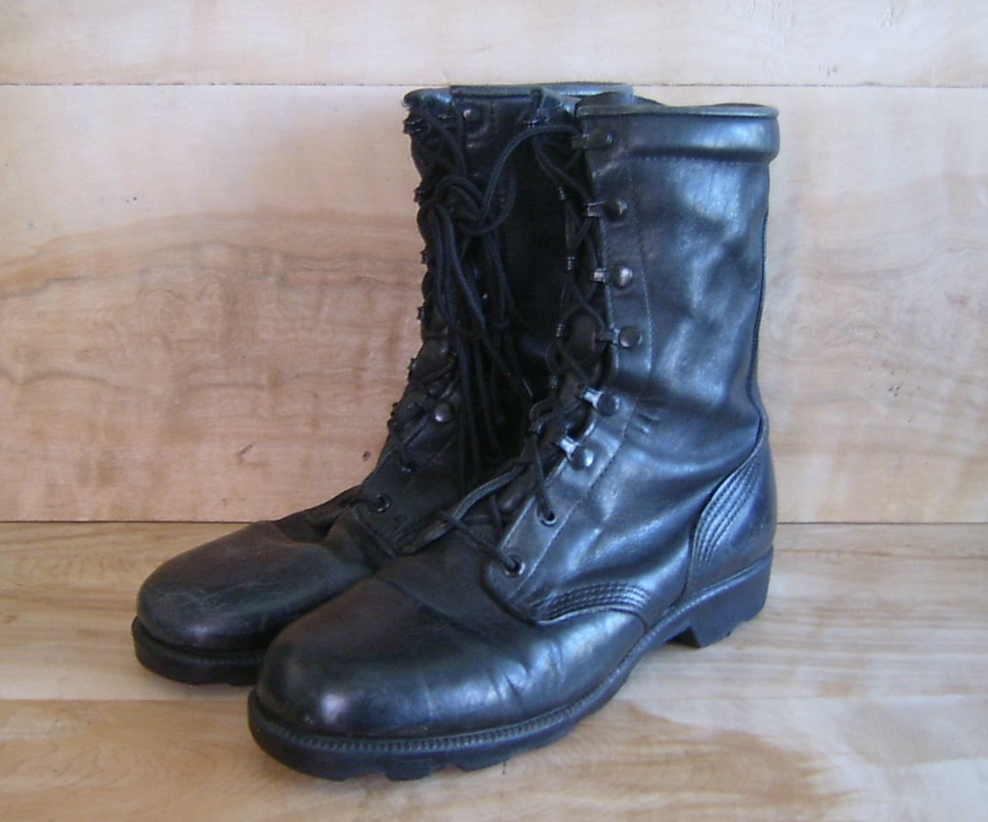 RESERVED Vintage Combat Boots Mens 8W Altama by RobinCottage
