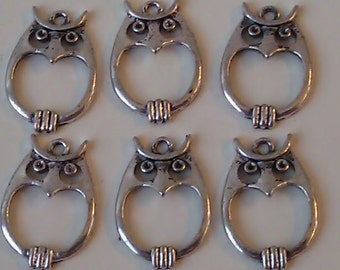 CLEARANCE 6 Owl Charms Pendant Antique Silver Finish 1 Inch