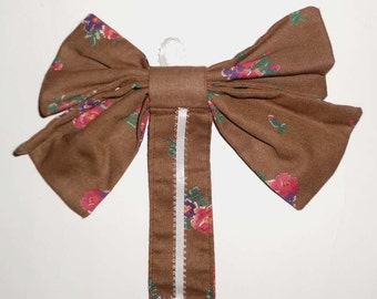 Floral brown hair bow holder with ribbon