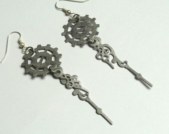 Steampunk Silver Gear Earrings - Steampunk Dangle Earrings - Steampunk Jewelry - Gear Jewelry with Clock Hands - Clock Hand Earrings