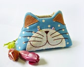 Cat purse / Hand embroidery / Pencil bag / Cosmetic bag / Zipper purse/ Gift bag / Bag zippered