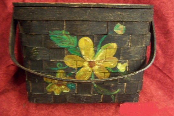 Wooden purse from the 80s with painted flowers