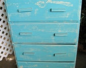 Vintage Shabby Chic turquois chest of drawers