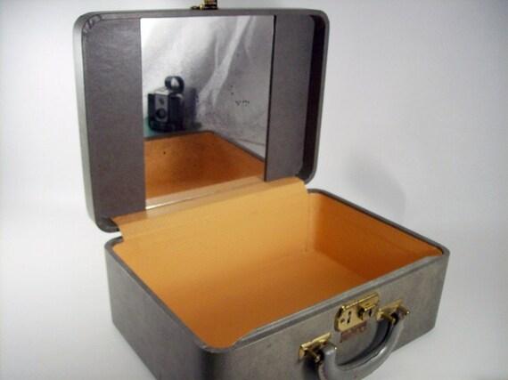 Luce Luggage, Train Case, Grey Vintage Luggage