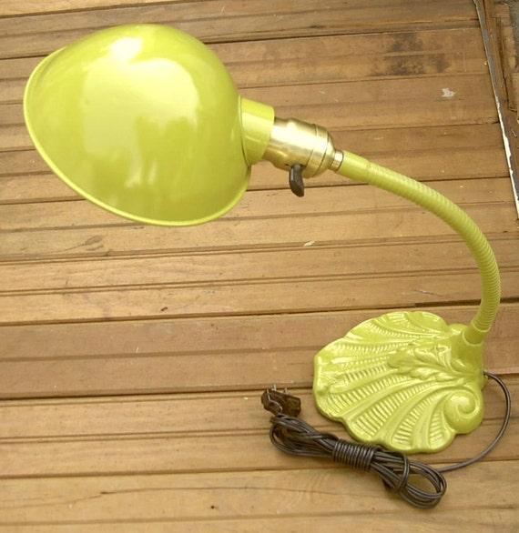Vintage 1920's cast iron desk lamp in green enamel