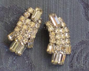 Pair of Glamorous Vintage Rhinestone Clip Earrings - Jewelry