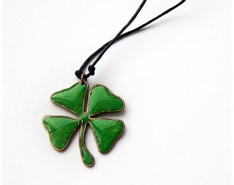 Four Leaf Clover Lucky Green charm necklace
