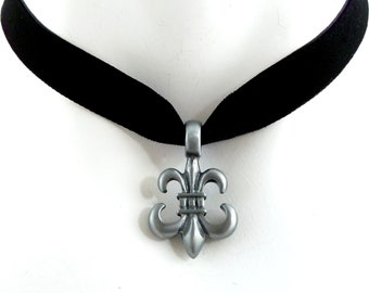 Black Velvet Choker Necklace with Fleur de Lys Pendant in Dark Grey Pewter  -  French, Gothic, Goth, Victorian, Québec, Louisiana Jewelry