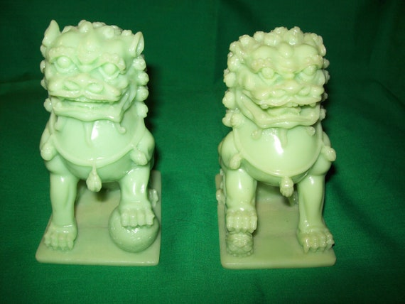 Pair of Chinese Temple Lion/Foo Dog Figurines