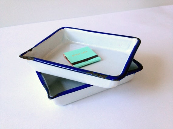 Small Enameled Photographic Developing Tray