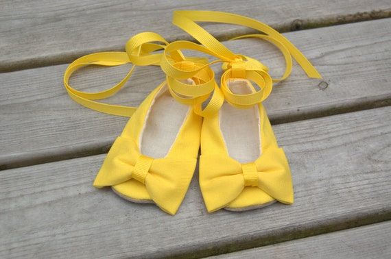Baby Shoes - Mustard Yellow Crib Shoes - Hand Made Baby Girl Shoes With Bow - Canary Yellow