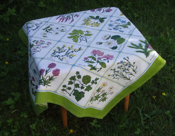 Swedish vintage table cloth with the 25 provincial flowers of Sweden