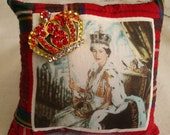JUBILEE Queen Elizabeth Brooch Pillow