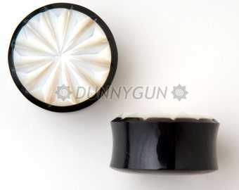 """1"""" Pair Pinwheel Mother of Pearl Horn Gauged Plugs Organic Hand Carved Body Piercing Jewelry"""