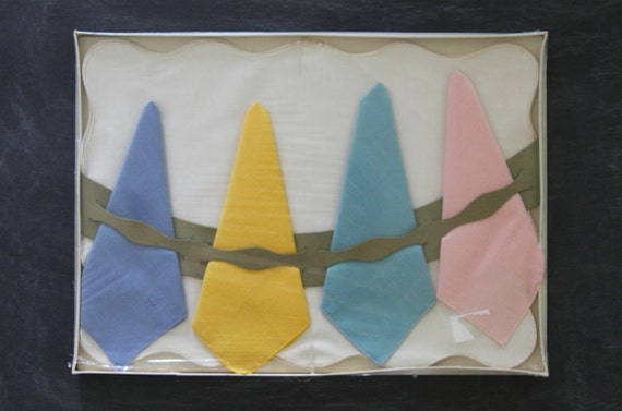 Vintage Table Linens - Scalloped Placemats and  Pastel Colored Napkins, in Original Packaging