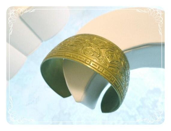 Bollywood Brass Vintage Wide Cuff Bracelet   1166a-082012000