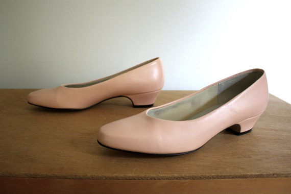Light pink low heels by Easy Street size 7 by TheCollectedLife