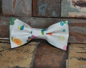 boys easy clip on bow tie - white with cute little multi colored bugs print :)