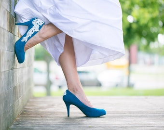 Teal Wedding Shoes, Teal Blue Bridal Heels, Something Blue, Teal Heels, Blue Heels, Blue pumps, Bridal Shoes with Ivory Lace. US Size 8