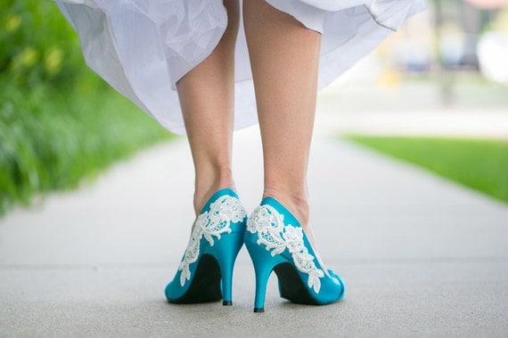 BLOWOUT SALE - slightly damaged - Blue Bridal Heel/Wedding Shoes with Ivory Lace. US Size 7.5