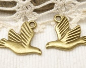 Flying Peace Dove Bird Charms, Antique Bronze (6) - A88