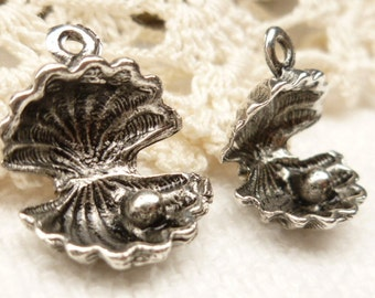 Exquisite 3D Oyster Shell and Pearl Charm, Antiqued Silver (6)  - S10