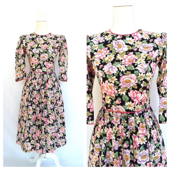 Vintage Black and Floral Dress / Size 4 / Small / Puffed Sleeves / Pink Lining / 80s