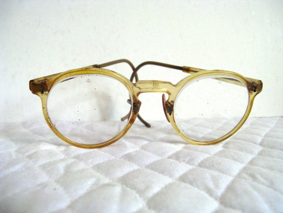 retro vintage eyeglasses / frames / plastic / mad scientist look / back to school