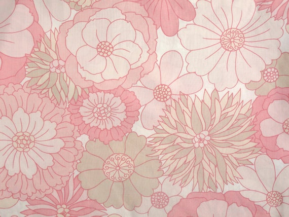 Retro 1970s Flower Power Duvet Cover in Pink