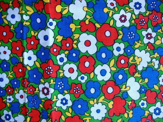 Cute Vintage 70s Flower Fabric Adorable Tulips and Daisy Lime Green Red White Blue Yellow Peter Pan Bottom Weight Cotton CBF