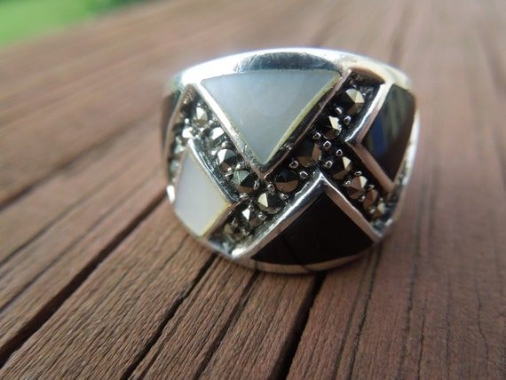 Vintage Silver Ring with Mother of Pearl, Black Onyx and Marcasites, Size 7 1/2
