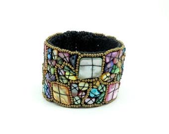 Full color shell bangle