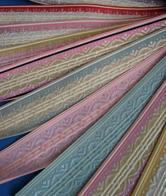 French RIBBON SAMPLES / Swatch French ANTIQUE Silk - Collectable - 31608