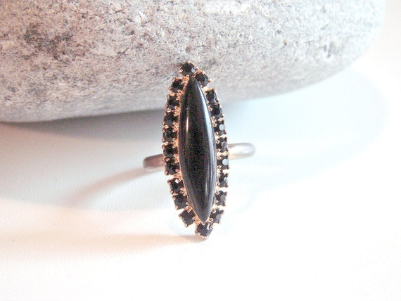 Black Vintage Rhinestone Cocktail Ring Size 7.5