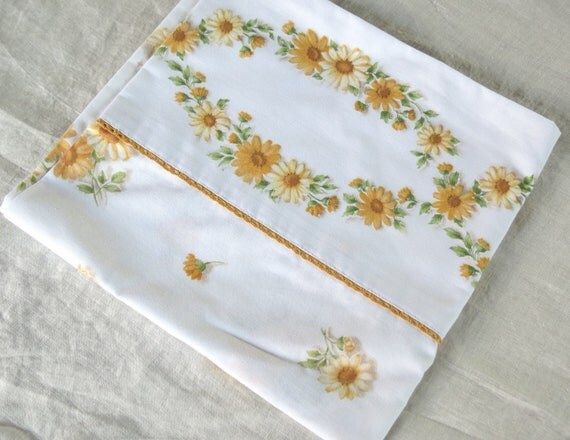 "REDUCED Vintage Pillowcase - Yellow Daisy - 38"" x 20"" King Pillowcase"
