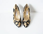 HOLIDAY SALE Vintage Black and Gold Sequin Pump Size 7.5 by Caparros