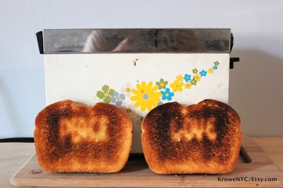 RARE Unique Vintage 1960s Happy Hippie STAMPED Peace & Love TOASTER w flower power Works