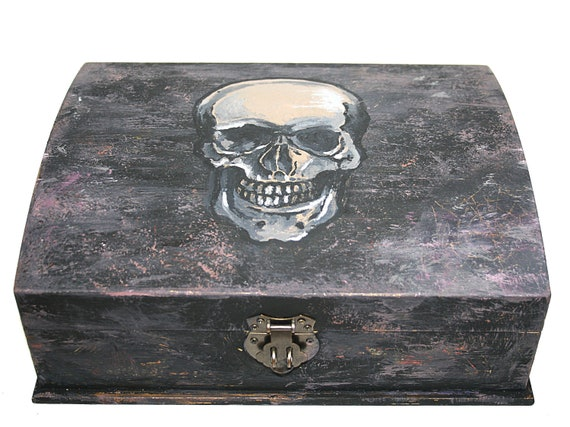 Distressed Skull Stash Wooden Box
