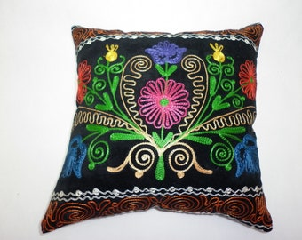 Buglem /  Embroidered purple-blue tulip Suzani Velvet Pillow Cover - 14,60x14,60 inch