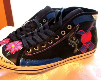 Custom painted eco certified sneakers womens size 8 birds ON SALE