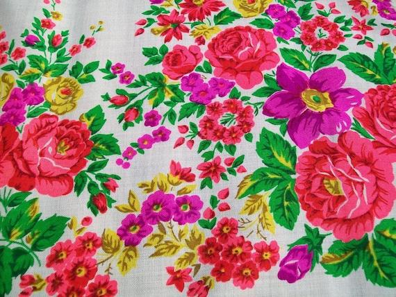 Floral  SHAWL / SCARF. Vintage.