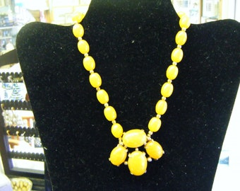 Vintage Yellow Stone Necklace Absolutely Gorgeous
