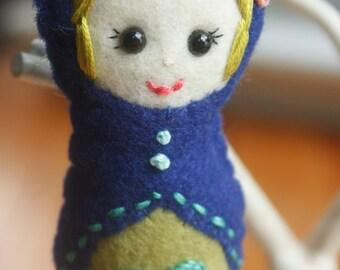 Felt Matryoshka (Babushka) Doll Ornament (SET OF 4). Christmas Ornament. Holiday Decoration.