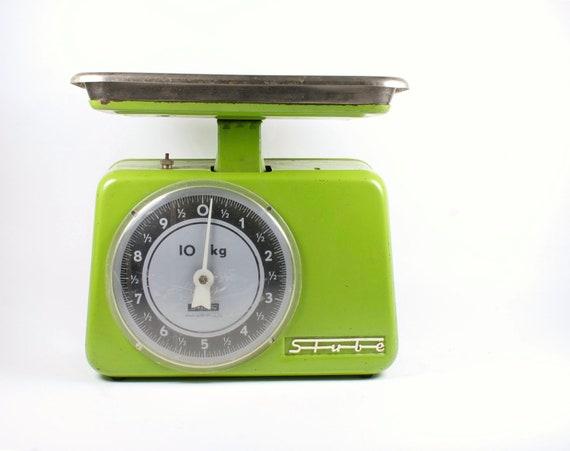 Vintage green kitchen balance