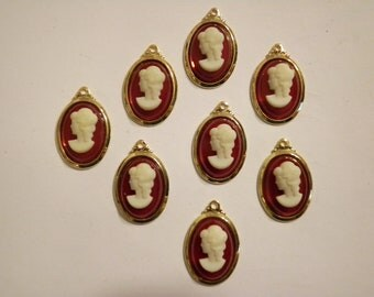 36 Vintage Goldplated 14x10mm Red with White Face Cameo Pendants