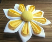 Kanzashi Flower Hair Clip in White and Sunny Yellow